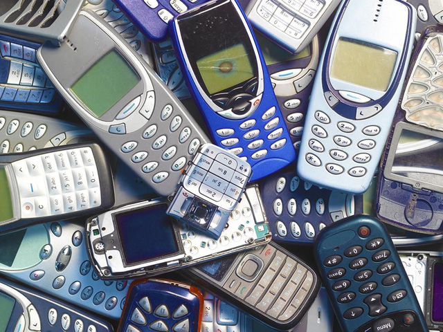 Зачем утилизировать мобильные телефоны?